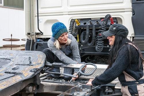 Female mechanic LOW RES