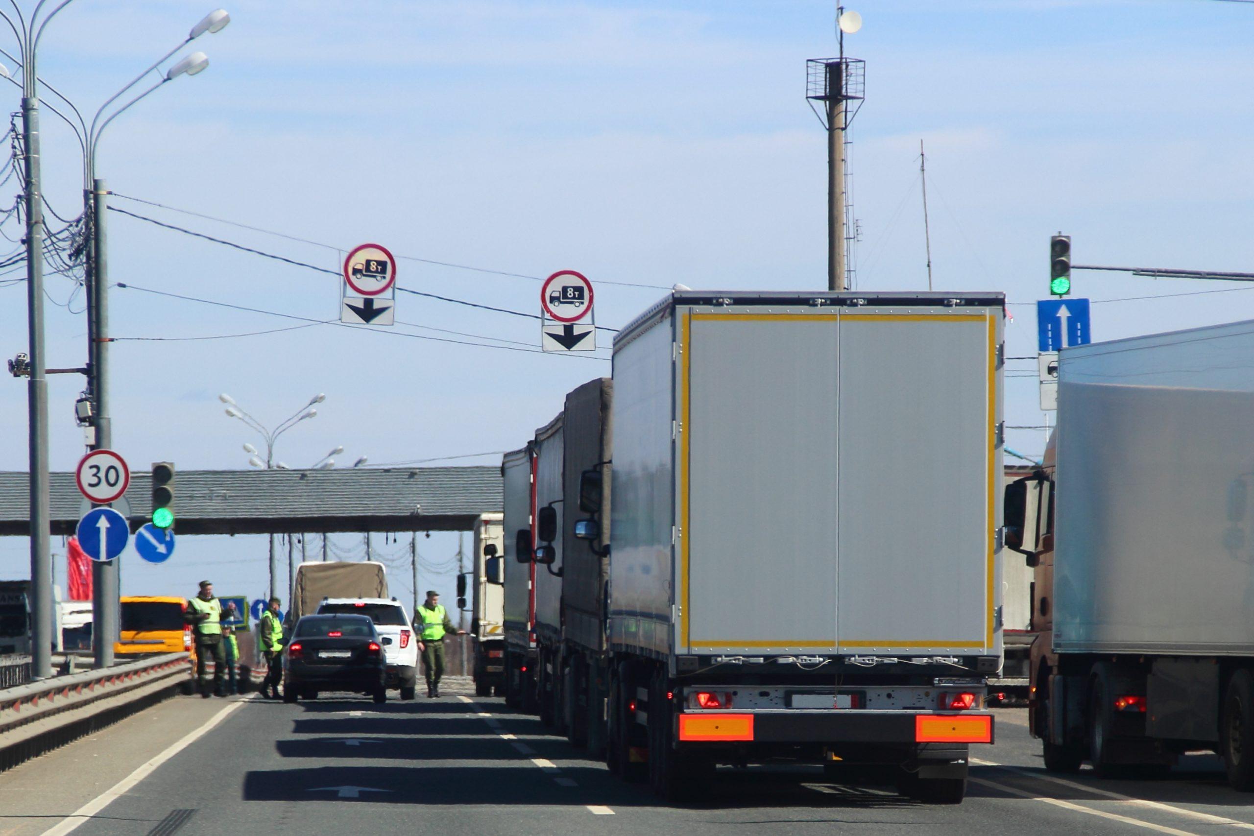 Clandestines   trucks
